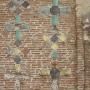 Плинфа и цветная майоликовая плитка